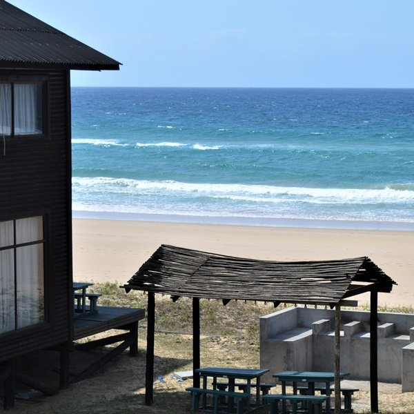 Paraiso do Ouro Resort: Budget Beach Houses - image 1